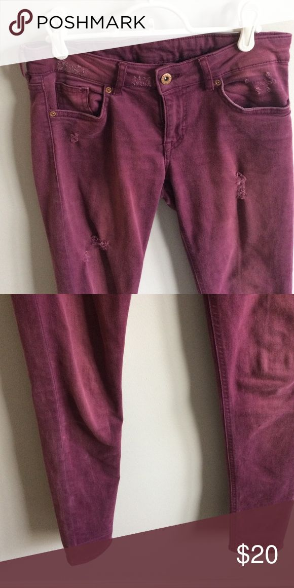 Plum jeans absolutely NO TRADES Reasonable offers only considered through the 'offer' option  NO OUTSIDE TRANSACTIONS Divided Pants Skinny