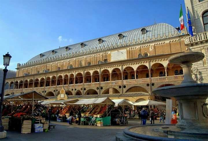 Padova, piazza delle Erbe