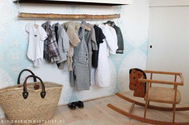 So cute ! Love the idea on the wall