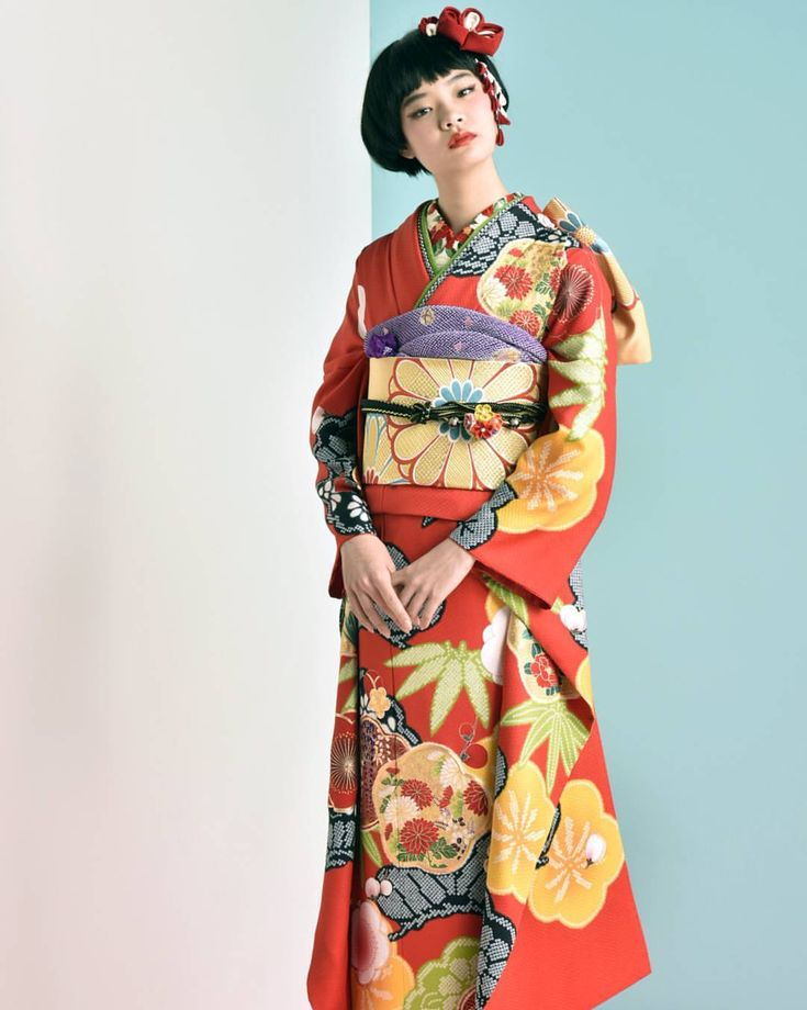 . #振袖 #新成人 . レトロな配色、松竹梅の縁起柄。 正統を守りつつも、モダンかわいい振袖に。 三松オリジナルです。 . . #成人式 #曇り #振袖 #会場 #成人式ヘアアレンジ #舞華 #花と着物 #赤い振袖 #着物女子 #着物 #和 #和装 #二十歳 #はたち #大人 #赤 #kimono #fashion #furisode #japan #japanbeauty #modern #traditionalart #tradition