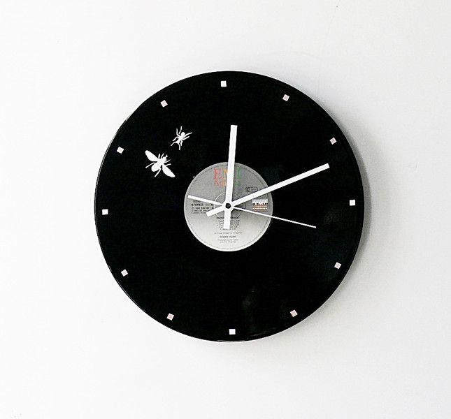 Uhren - Schallplattenuhr Herr Fliege und Frau Ameise 3.0 - ein Designerstück von Zauberholz-Berlin bei DaWanda