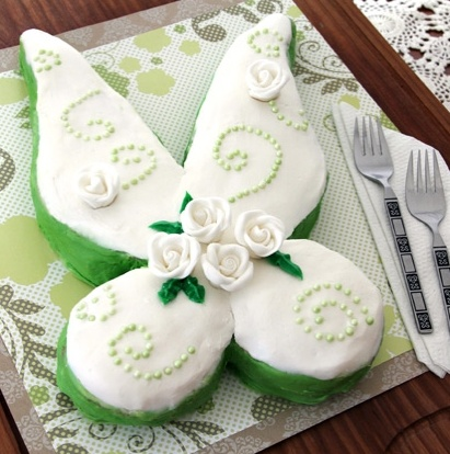 Tinker Bell's Fairy Wings Cake (recipe: http://di.sn/i5I)