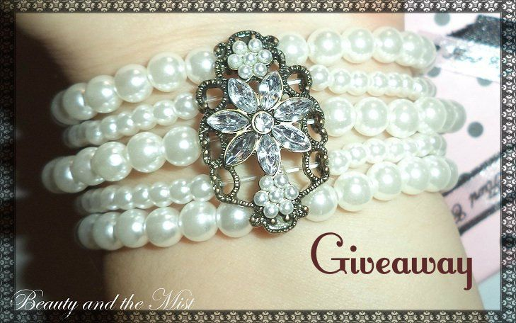 Happy New year! The Christmas giveawayhas been completed, but as you loved that gift I decided to offer a bracelet again. This time Valentine's Day is the occasion to celebrate and the gift …