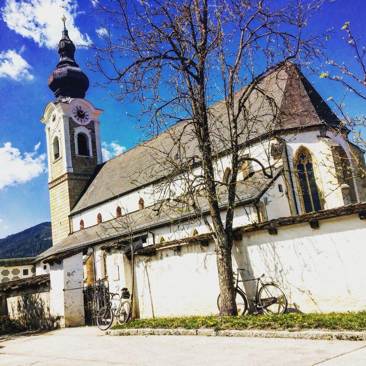 Dahoam is dahoam! Herrlichstes Frühlingswetter in #altenmarkt #altzau #zauchensee #salzburgerland #salzburg #kirche #church