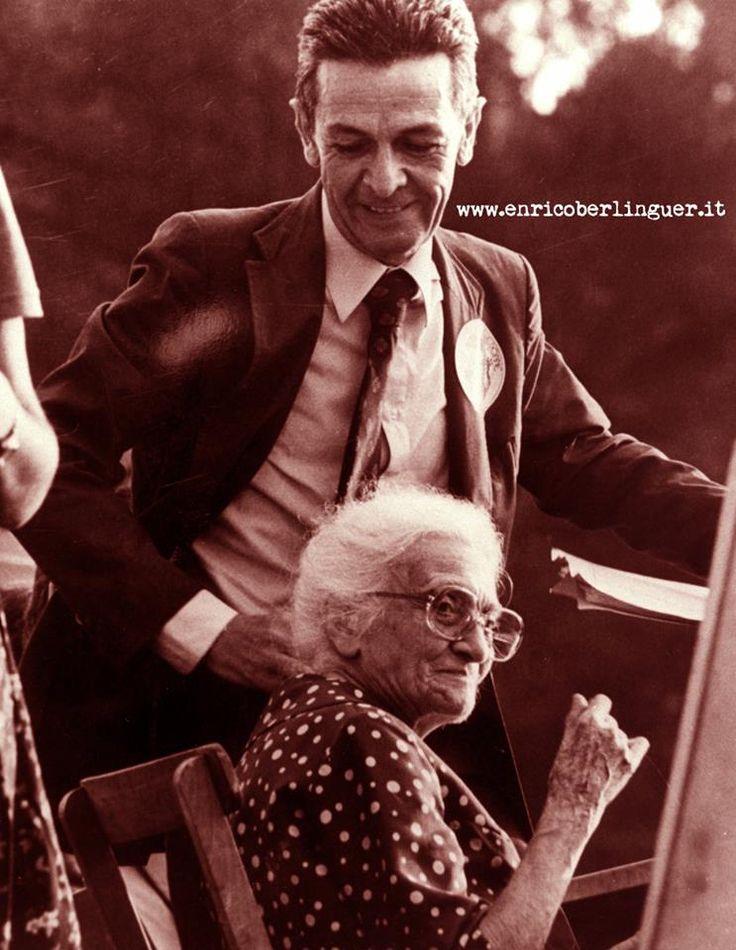 """""""Non è libero l'uomo che opprime la donna"""" Enrico Berlinguer  (Nella foto, con Camilla Ravera alla Festa delle Donne organizzata dal PCI nel 1981) da Facebook"""
