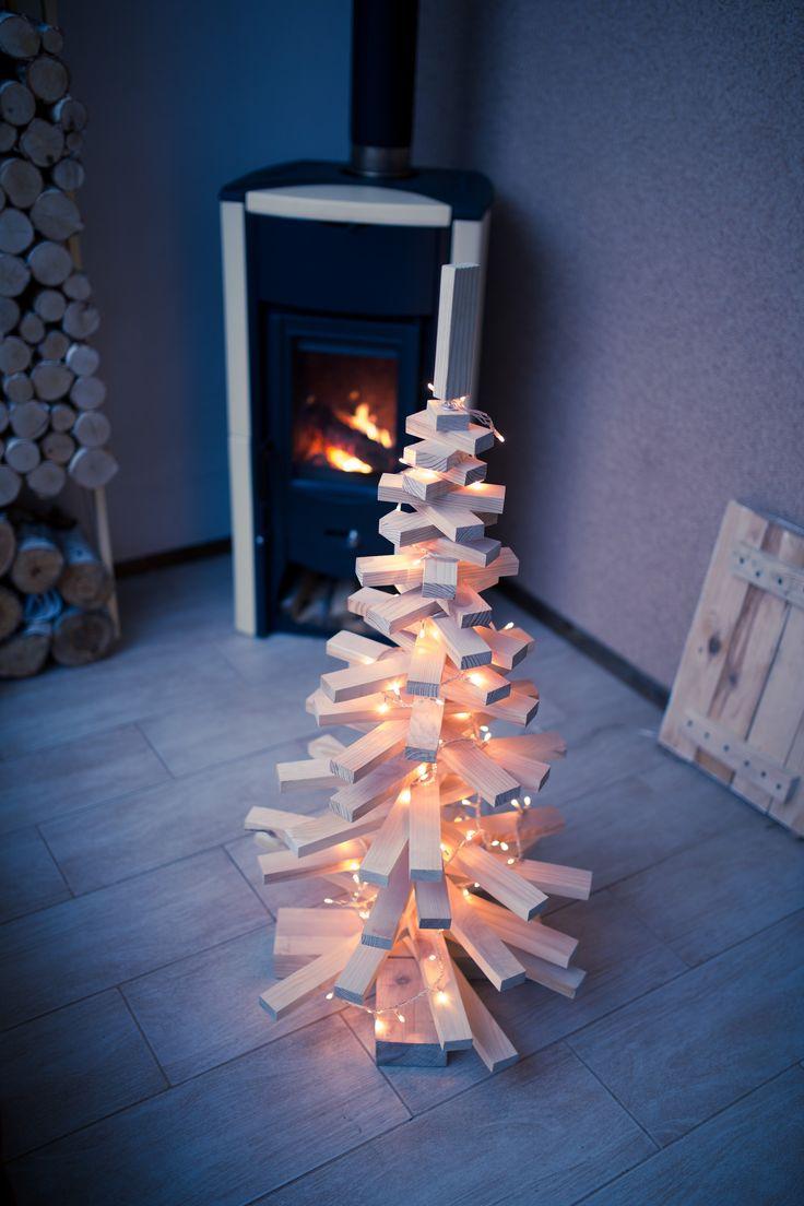 Новогодняя елка Оригинальная елка для любителей минимализма. Дополнит новогодний и рождественский декор и создаст атмосферу праздника. Данная напольная инсталляция может быть элементом декора в помещении и на улице. #Новыйгод, #Рождество, #чудеса, #уют, #праздник, #новогодняяелка