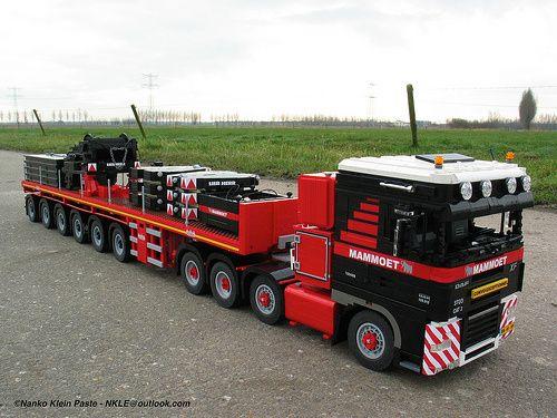 Lego DAF XF Mammoet truck