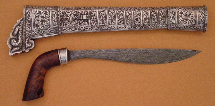 Badik, Buginese weapon