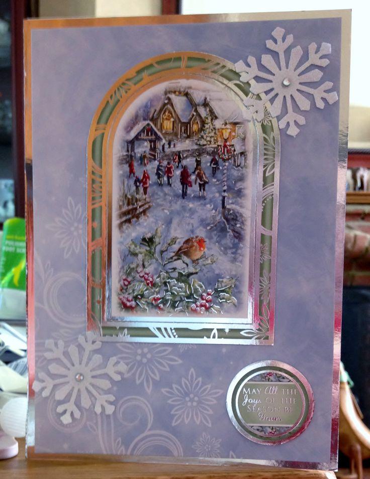 Christmas Card (68) - A5 - Hunkydory 'Traditional Christmas'