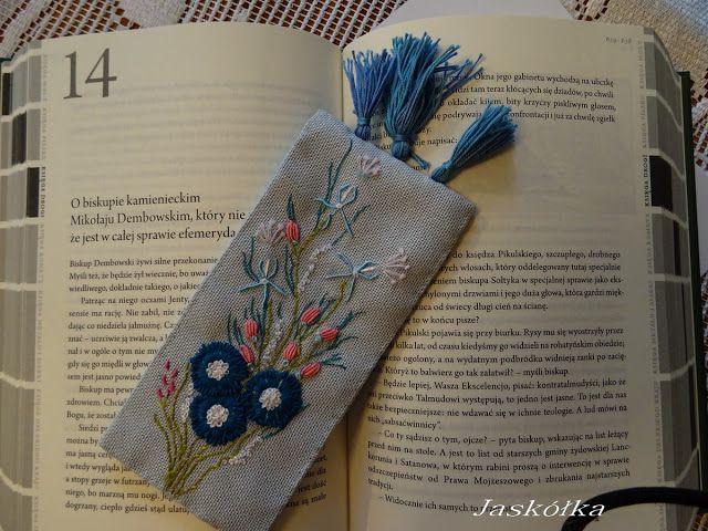Zakładka do książki z haftem rococo-haft wykonany nićmi jedwabnymi