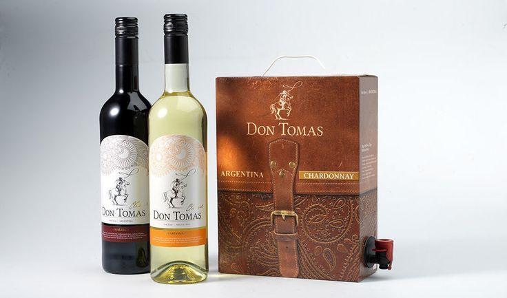 """Zijn persoonlijkheid vormde de inspiratie voor de wijn """"Don Tomas"""": nobel, gedurfd en uniek. Een wijn met karakter. Alterego vertaalde deze waarden in een merkbeleving die gedragen wordt door het wijnlabel. Ook de bag-in-a-box biedt een stoere maar elegante knipoog naar de zadeltas van deze excentrieke Gaucho."""
