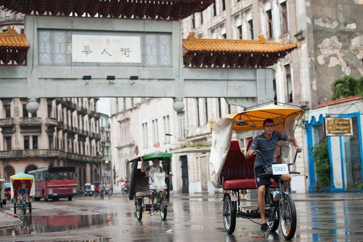 Premiers pas à Cuba, hébergement et astuces (Detour Local) -> Le quartier de Dragones, le quartier chinois de La Havane www.detourlocal.com/premiers-pas-cuba-astuces/