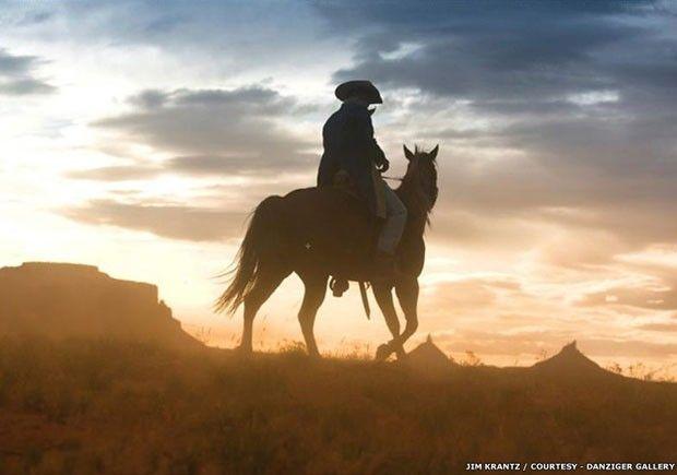 O fotógrafo Jim Krantz dedicou a maior parte de sua carreira a registrar o Oeste americano; uma expoisção do seu trabalho em Nova York mostra a série sobre caubóis chamada 'Epic western' (Foto: Jim Krantz/Divulgação)