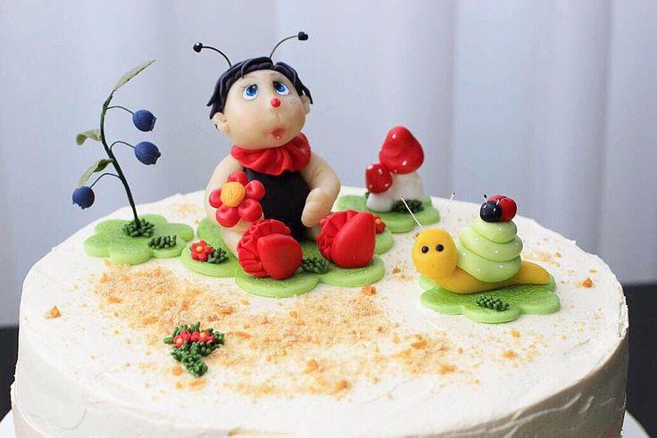 Сказочно милый тортик-поляна