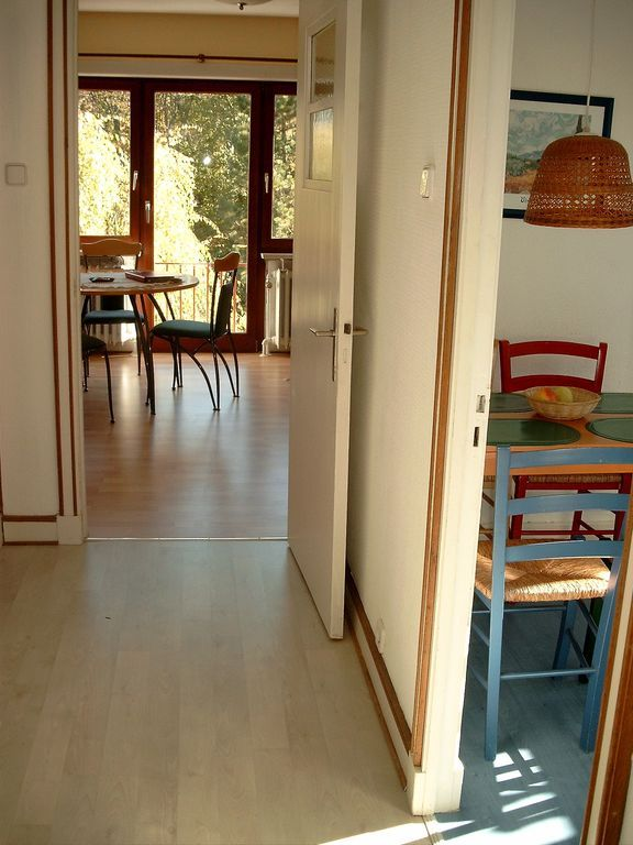 Haus 'Villa Renate' mit Garten Döse  - In der oberen Wohnung: Links geht's zum Bad, rechts zur Küche, vorne zum Wohnzi.