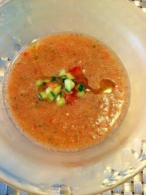 楽天が運営する楽天レシピ。ユーザーさんが投稿した「夏のスープ☆ガスパチョ」のレシピページです。キーンっと冷して、野菜たっぷりです(*^^*)。冷たいスープ。トマト,きゅうり,赤パプリカ,玉ねぎ,にんにく,バケット,オリーブオイル,ワインビネガーorレモン汁,塩,胡椒