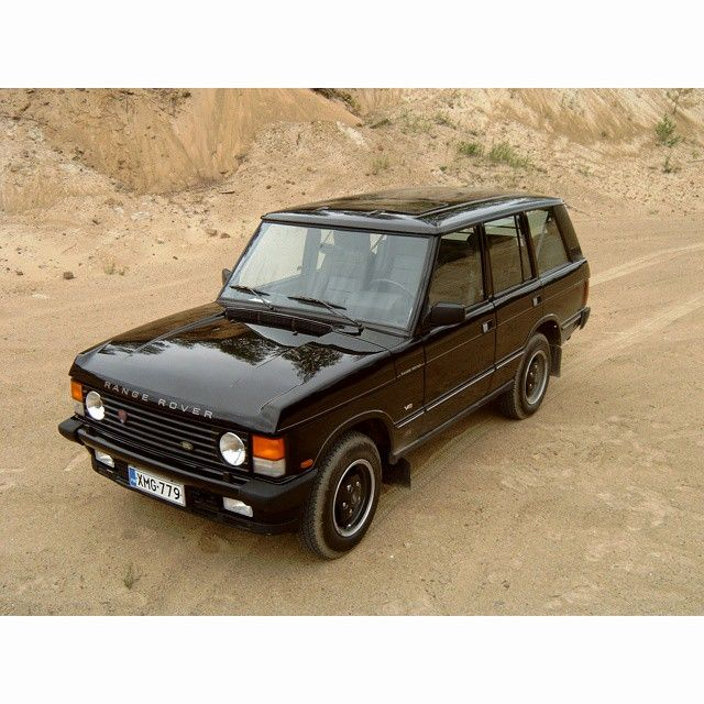 25 best ideas about range rover classic on pinterest land rover models land rover overland. Black Bedroom Furniture Sets. Home Design Ideas