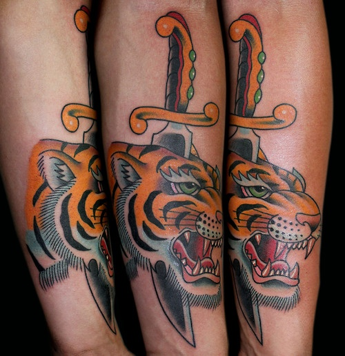 tattoo old school / traditional ink - dagger tiger (by Myke Chambers)