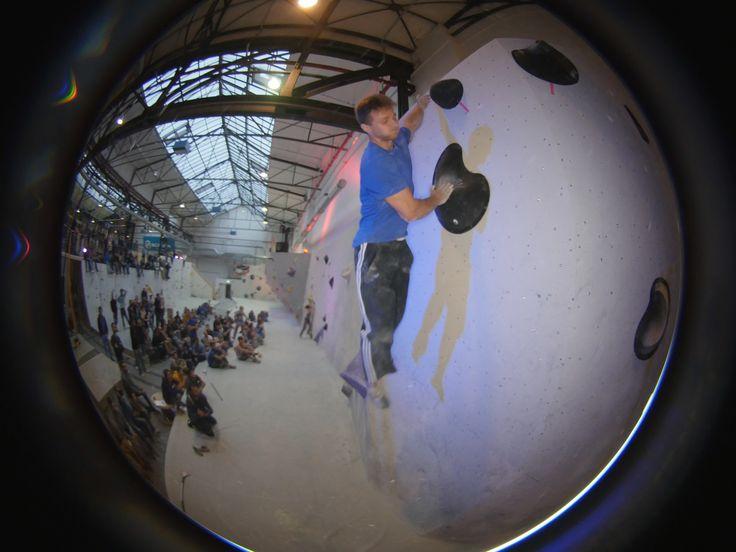 https://flic.kr/s/aHskjfaJUz | Kölner Bouldermeisterschaft, Stuntwerk | am 5.September 2015 fand die erste Kölner Bouldermeisterschaft im Stuntwerk statt.