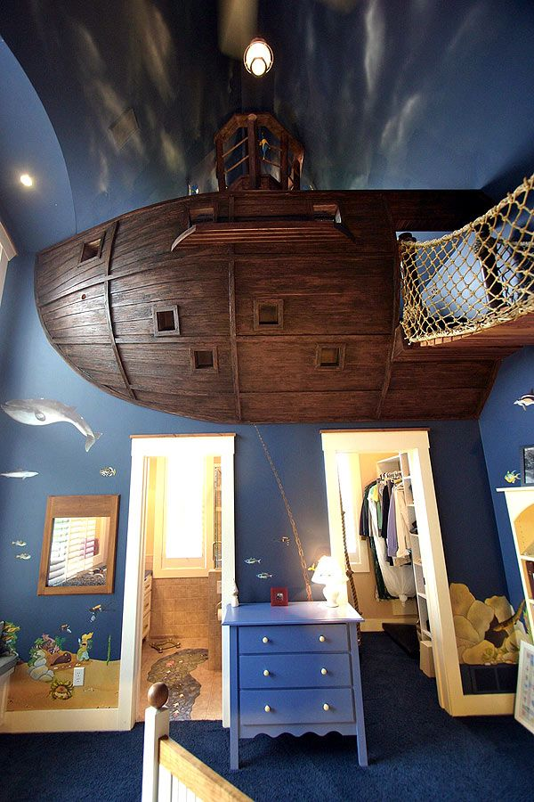 Incredible children's room as a pirate ship