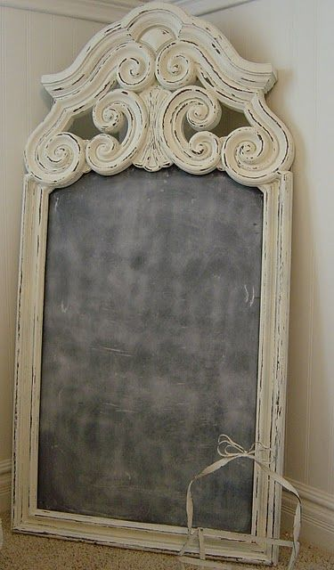 Re-purposed old mirror = chalkboard, I think I'll do this with my P-Town find!