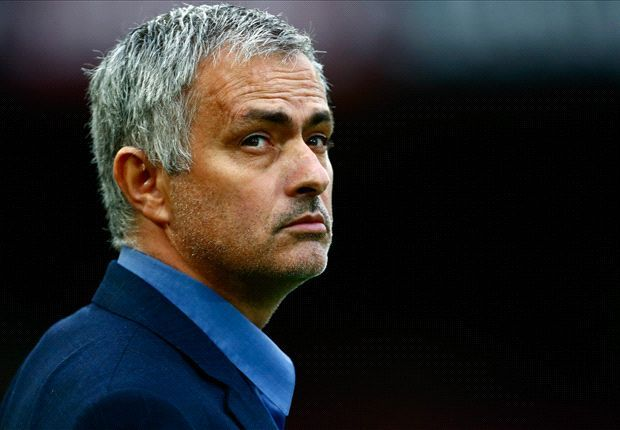 Mourinho the man to take Manchester United back to the top  Deco