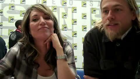 [TVaholic.com Interview] Katey Sagal & Charlie Hunnam Talk SOA Season 3 At Comic Con 2010