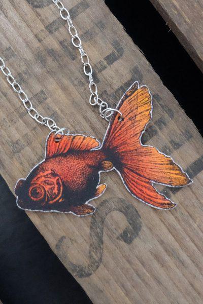 Colorful vintage goldfish necklace by Little Rat´s Boutique. #handmade #handmadejewelry #jewelry #jewellery #shrinkplastic #goldfish #statementnecklace
