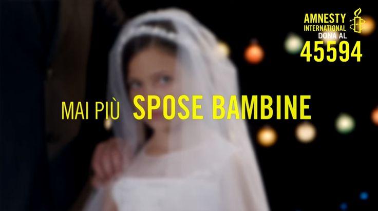Mai più spose bambine. Campagna di #Amnesty International Italia contro i matrimoni precoci e forzati. Secondo le stime del Fondo delle Nazioni Unite per la popolazione (Unfpa), 13.5 milioni di ragazze ogni anno nel mondo sono costrette a sposarsi prima dei 18 anni con uomini molto più vecchi di loro: 37 mila bambine ogni giorno alle quali, di fatto, viene negata l'infanzia. http://www.ilsitodelledonne.it/?p=18573