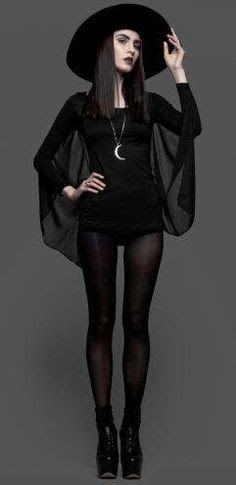 Witchy clothing style