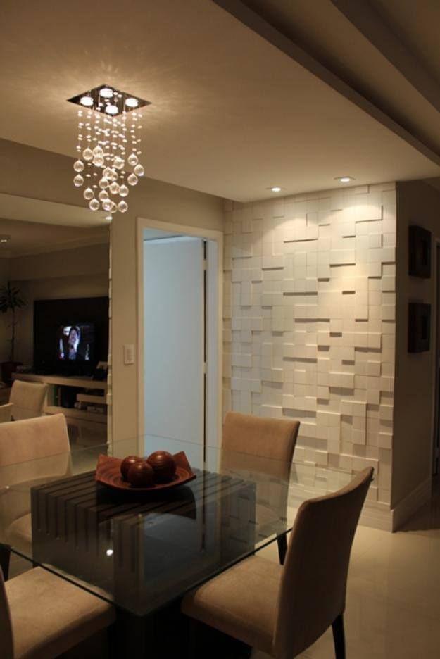 Sala de Jantar (cadeira e mesa), lustre decorativo e parede
