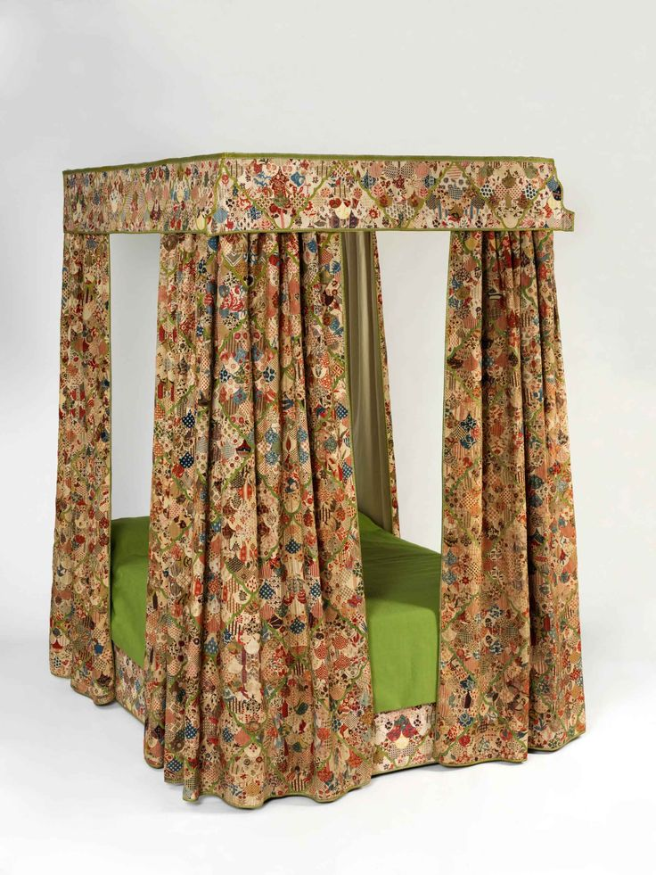 Patchwork bed hangings 1730-50 _ Cotton, linen, fustian and silk _ Collection- Victoria and Albert Museum, London _ © Victoria and Albert Museum, London Patchwork bed hangings 1730–50 This is the only set of chintz bed hangings from this period that survives in a public collection. They would have been created for a fashionable middling or aristocratic household.