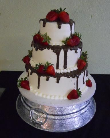 wedding cakes with chocolate covered strawberries on top 36 best wedding cake images on soccer cakes 26006