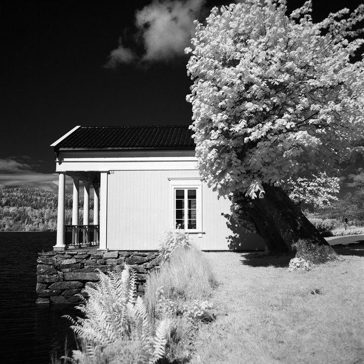 - Little cabin -