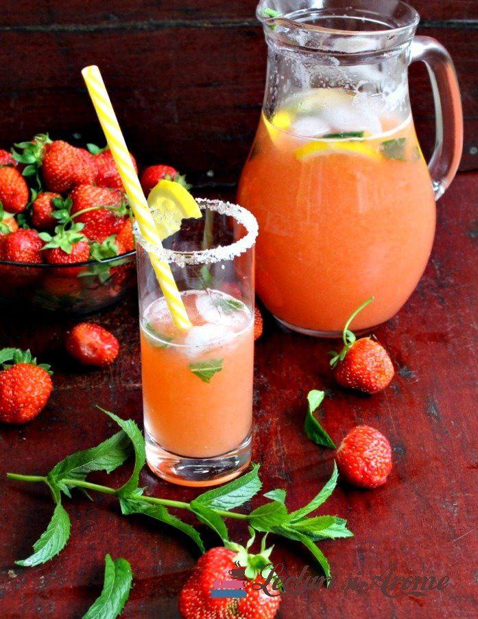 Limonadă cu căpșuni și mentă