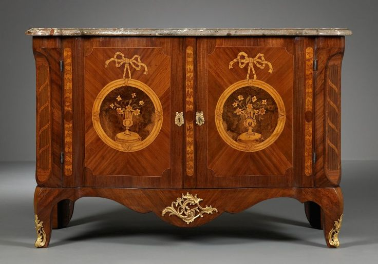 A Dutch Transitional Commode, ca. 1775