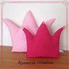 2 Coussins roses en forme de couronne pour jolie princesse : Linge de lit enfants par nymeria-creation