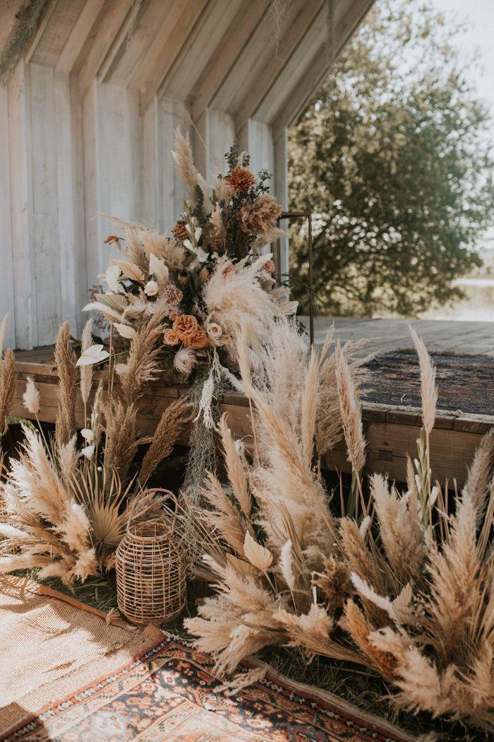 Marokkanisches Boho trifft englisches rustikales in dieser Wildnis-Hochzeiten Canterbury-Hochzeits-Inspiration   – Boho