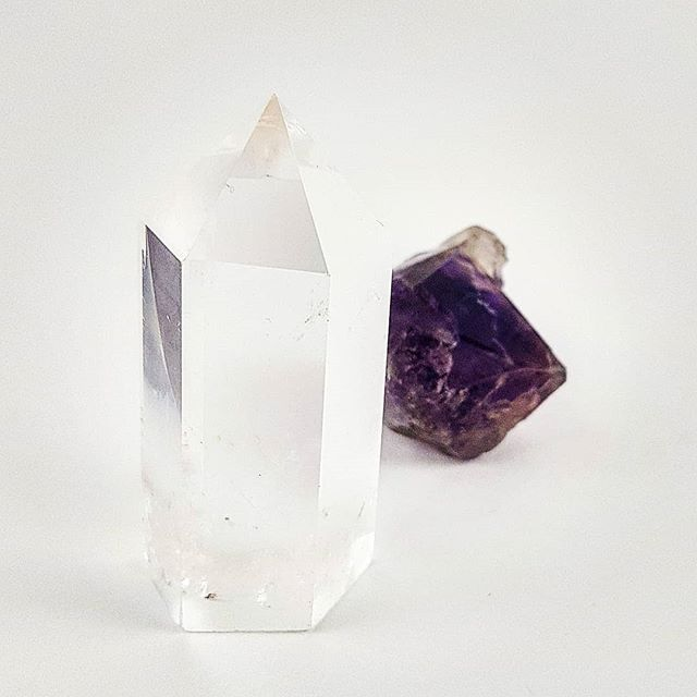 These 2 convinced me that they were THE ones to be featured today  What type of rocks do you guys #love most? Raw crystals or shaped and smoothly polished pieces? Or do you prefer the faceted gems in jewelry perhaps?   #clearquartz #crystals #prism #amethyst #rawrocks #onlinecrystalshop #southafrica