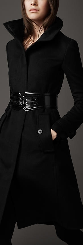 Love the belt with the coat...