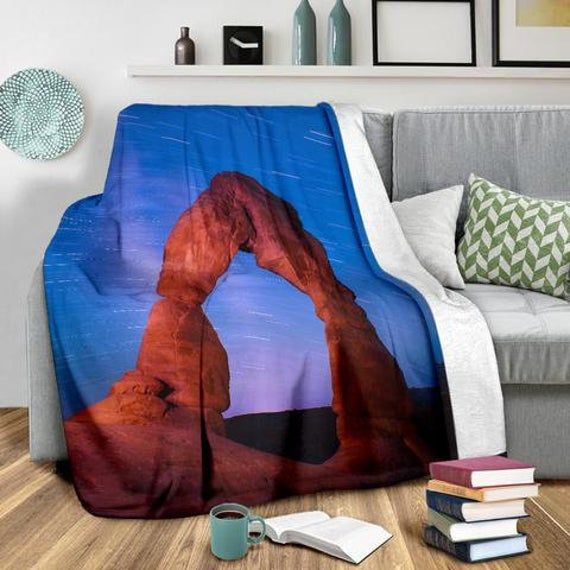 Youth X-Large Exclusively Licensed Artwork 3 Sizes Large Whats Up Grizzly Bear Fleece Blanket Brown Blue and Green TV Blanket