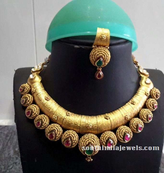Gold Antique Necklace wiht rubies
