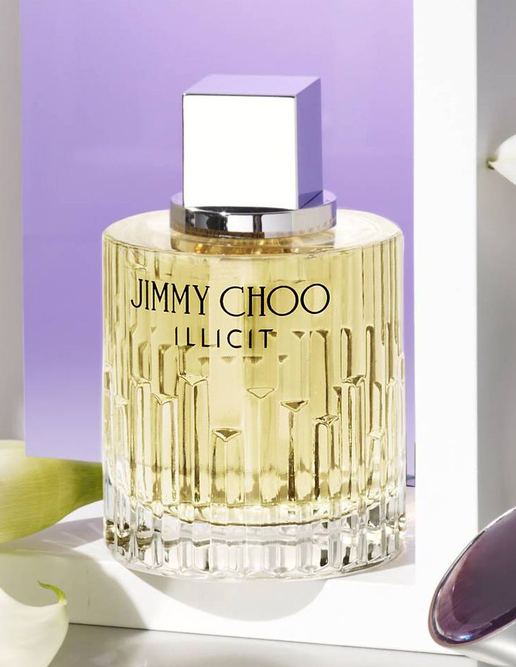 The kind of scent you want to pair with your most elegant dress, Jimmy Choo Illicit fragrance is instinctively seductive, edgy and glamorous.