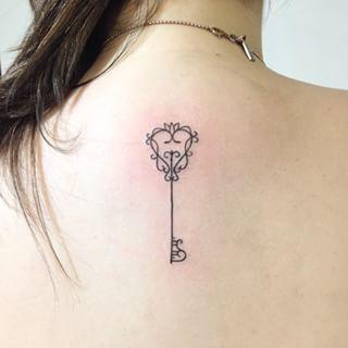 tattoo chave delicada - Pesquisa Google