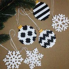 Resultado de imagen para hama beads christmas decorations