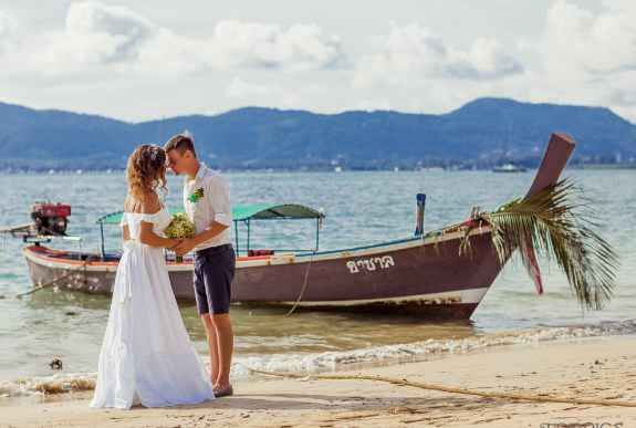 Wedding On The Secluded Beach Intropics Destination Weddings And Photography Package Et