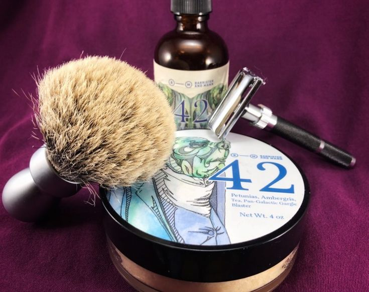 #SOTD #wetshaving #shavelikegrandpa Razor: Parker 96R TTO Blade:Gillette Wilkinson Sword Brush: Yaqi Silvertip Badger Soap: Barrister and Mann 42 Aftershave: Barrister and Mann 42 splash Other: Thirsty Badger lather bowl