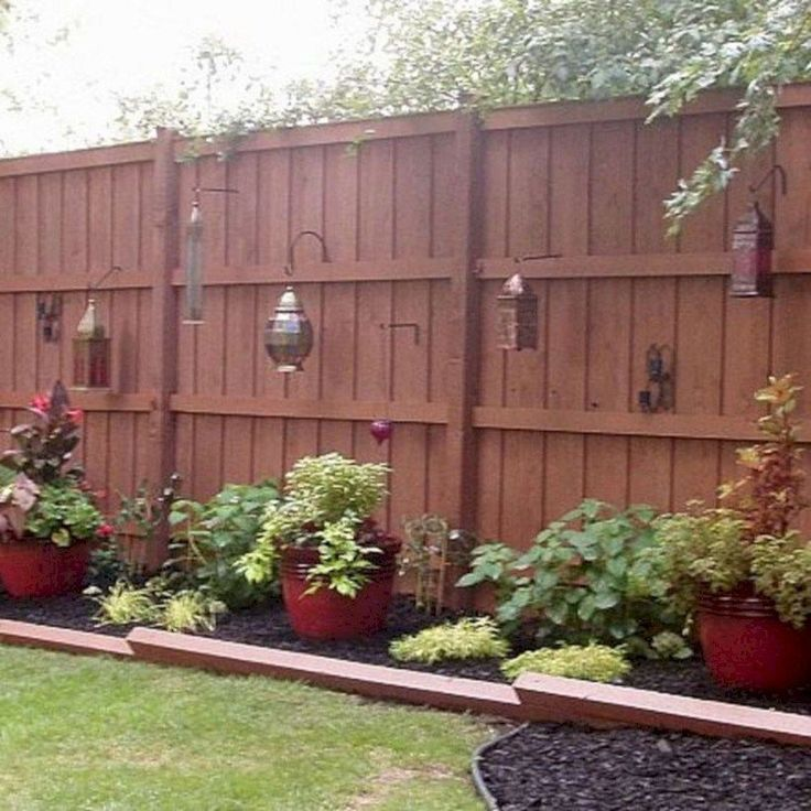 Diy backyard privacy fence ideas on a budget (49) #LandscapeHome #LandscapingOnABudget