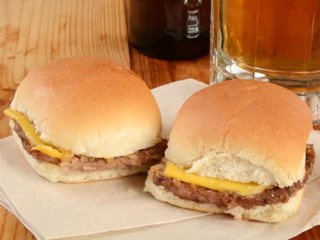Do you love the little buns they use at White Castle restaurants? This DIY version can be used for mini hamburgers or other slider-style recipes.