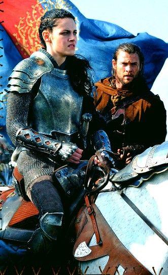 Kristen Stewart and Chris Hemsworth in Snow White and the Huntsman
